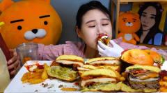 韩国美女卡妹吃汉堡盛宴,这一桌子的汉堡够7个