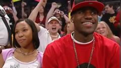 勒布朗詹姆斯在十六年前竟客串过WWE,你能想象