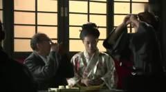 日本人正在喝酒跳舞,没想下一刻就悲剧了,陈