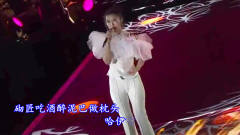 美女一首羌族歌曲,尽显实力唱功,观众都坐不住了,成抖音新曲!