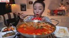 韩国美女大胃王Dorothy多萝西吃中国宽粉,吸溜到