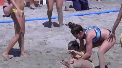 女子沙滩排球,真正的美体、美腿运动!就是沙