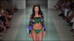 迈阿密时装周Aguaclara比基尼泳装秀,身材傲人,魅力十足!