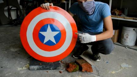 厉害了!牛人用金属打造美国队长盾牌