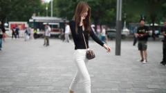 街拍美女,170厘米的个60厘米的腰围,追她的人肯定排队