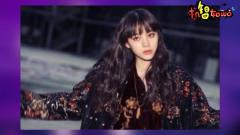 欧阳娜娜穿亮片夹克录制综艺节目,配上烟熏妆