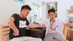 闽南语搞笑视频:农村小伙感染气管炎,赤脚医