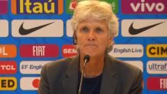 皮娅正式上任  执教巴西女足