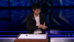 中国小伙在国外综艺节目中表演魔术,导师被惊