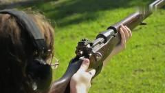 一战时期留下来的步枪 都上绣了,这位美女不是