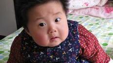 宝宝搞笑视频,谁说的放屁看不见