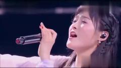 杨宗纬与古装美女唱《刀剑如梦》,两人唱功难