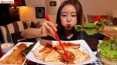 韩国美女Dorothy吃辣炒小章鱼,配上这个吃真是绝