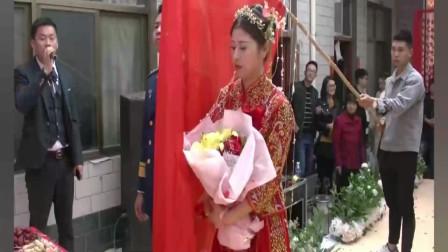 河南帅哥回家娶媳妇,新娘接回来了,真没见过