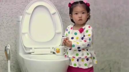 雷佳音女儿倒水给客人喝,谁知客人喝完恶心的
