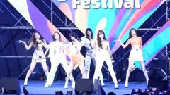韩国小姐姐舞台上劲歌热舞,让人看得如痴如醉