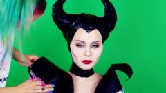 美女仿妆沉睡魔咒:将自己化妆打扮成了邪恶王