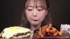 吃播:韩国美女吃货试吃炸虾天妇罗,配上煎蛋