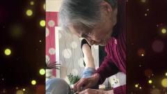 家庭幽默录像:爷爷**的这些行为看起来搞笑,但