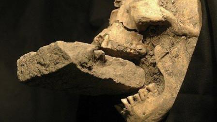 """吸血鬼真的存在吗?考古专家发现疑似""""吸血鬼"""