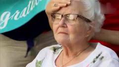国外爆笑街头恶搞:老太庆祝百岁大寿,不料打