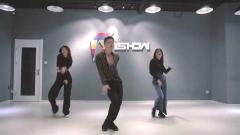 2019最火抖音舞蹈Ishow爵士 舞蹈《自作多情》热门舞蹈视频