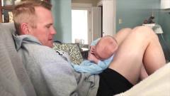 家庭幽默录像:孩子和爸爸在一起能玩得这么开