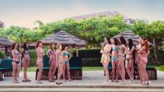 美女们正拍广告,谁知旁边三男的眼睛都看直了
