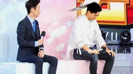 李现爆红后参加综艺节目,何炅对他的介绍前后