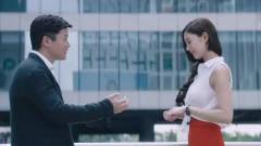 李成敏不愧是韩国第一美女,举手投足间都充满