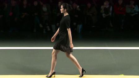 模特走秀:黑色简约的搭配,美女大秀美腿,纤