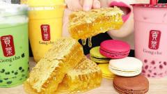 美食圈:美女吃蜂巢蜜喝*茶,吃了这么多蜂巢到
