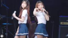 韩国女团舞台饭拍,这位美女长得很有特色,好