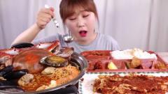 韩国美女吃播吃海鲜大杂烩,大口大口,吃的真