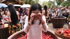 韩国美女来中国旅游,才刚到四川就哭了:怎么