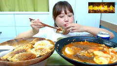 美女吃播 ,韩国孝宁妹子吃冷面,配点煎饺吃起