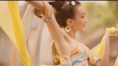古装美女跳《敦煌舞》,动作优雅舞姿优美,是