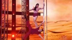 情侣跳双人钢管舞真是绝了,杨幂直接蒙上了眼