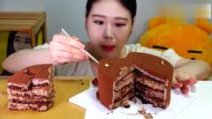 韩国吃播大胃王美女卡妹吃蛋糕,真陶醉