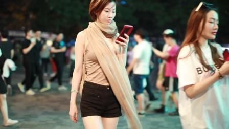 北京街拍,气质温婉的小姐姐,30岁的男生都喜欢