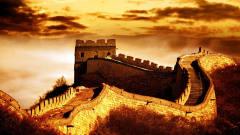 作为军事防御工程,长城高度不足10米,在古代真