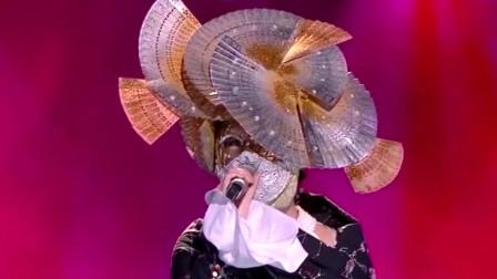 蒙面唱将:美女翻唱《花房姑娘》,唱进了心里