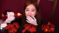 韩国美女吃特辣鸡腿,辣的直胃疼,一般人享受