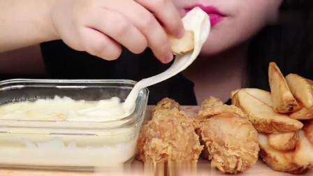 吃播:韩国美女吃货试吃油炸鸡腿,蘸上香浓的