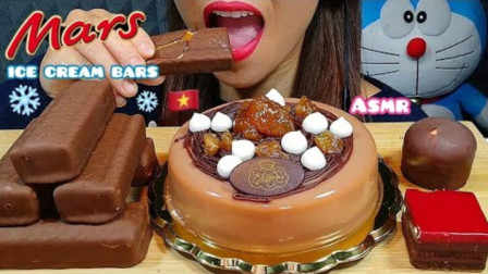 韩国美女,吃巧克力慕斯蛋糕+玛氏雪糕+巧克力糕