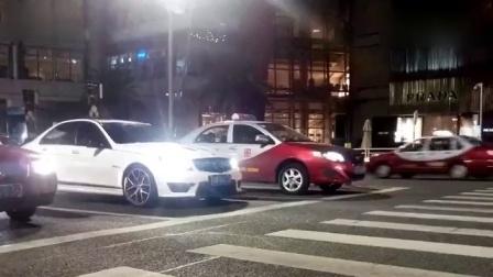 深圳街头万象城街拍声浪震耳欲聋的C63 AMG 总感觉