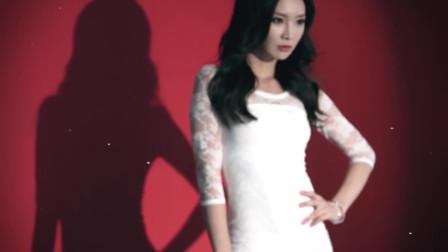 韩国美女拍摄,别致的旺夫腰线,她应该很骄傲