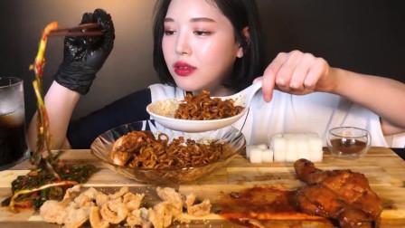 韩国美女吃播,香辣烤鸡、掉渣鸡皮、拉面、再