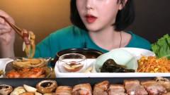 大胃王吃播:韩国美女吃烤肉;边烤边吃;就是