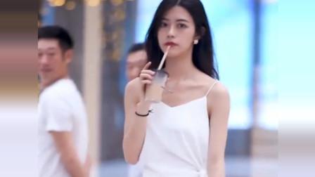 在重庆街拍小姐姐,这应该就是男生喜欢又不敢